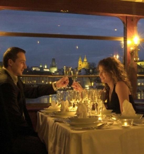 Večeře na lodi - Praha